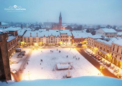 montagnana piazza con neve